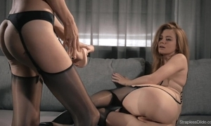 Hawt brunnette mia ding-dong copulates redhead maria