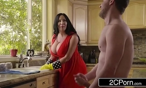 Obese the man stepmom's cum detergent - sybil stallone