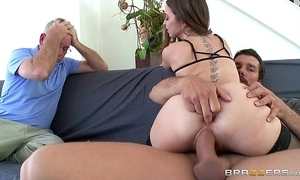 Brazzers - riley reid cheats on the top of her husband