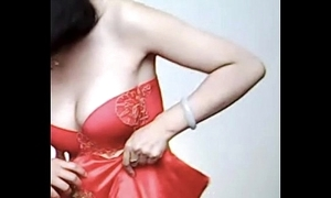 Spycam - pity chinese bride succeed in putrescent by photographer - 漂亮的新娘子在影楼试穿婚纱 被影楼老板的偷拍了