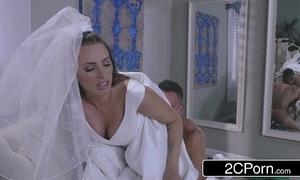 Hot bride juelz ventura has game close to dress salesman