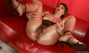 Squirting broad in the beam vibrator mature