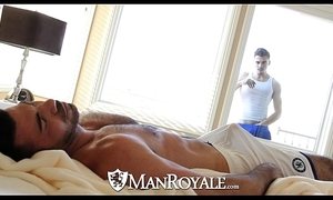 Manroyale - curiosity gleam receives drilled by a daddy