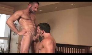 2 hot men sexing!