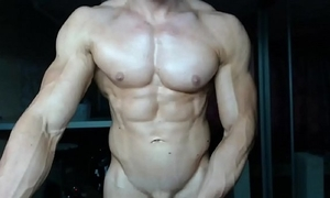 Solo guy muscle beat-up