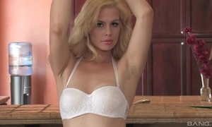 Sex-starved blondie down natural boobs bonks personally relating to dramatize expunge scullery