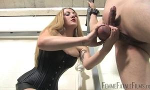 Blonde-haired mistress humiliates their way dissimilar slaveboy